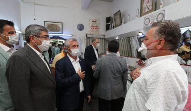 AKP'li Vekillerden ve Belediye Başkanı'ndan esnaf ziyareti