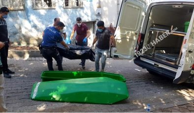 Son dakika haberleri   Husumetli 3 kişi arasında çıkan kavgada kan aktı: 1 ölü, 1 yaralı