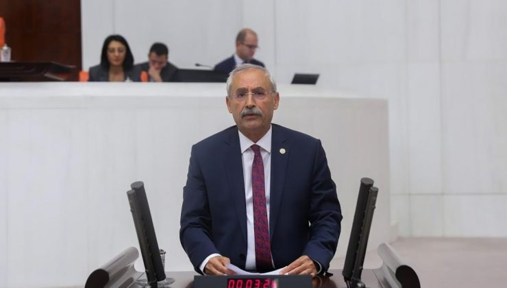 CHP'Lİ KAPLAN KARKAMIŞ'A ATILAN HAVAN MERMİLERİNİ TBMM'YE TAŞIDI