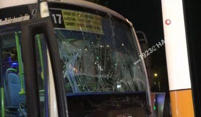 Halk otobüsü, kırmızı ışıkta duran belediye otobüsüne arkadan çarptı: 9 yaralı