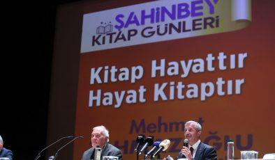 Ortaylı Gaziantep'te okuyucularıyla buluştu